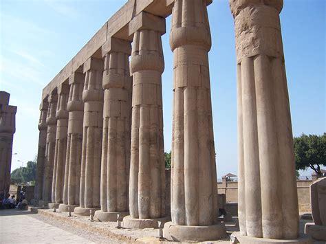 imagenes de columnas egipcias exe