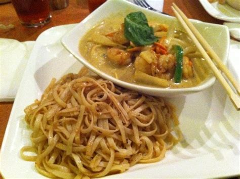 riso noodle house riso noodle house 28 images shrimp green curry w flat noodles yelp riso noodle