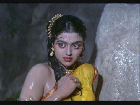 artikel judul film india lama bhanupriya hot navel boobs and armpit show in wet yellow saree