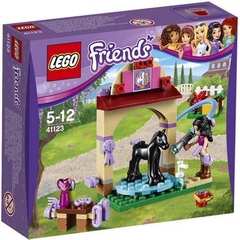 Lego Friends The Foal Washing Station 41123 lego friends foal s washing station 41123 toys zavvi