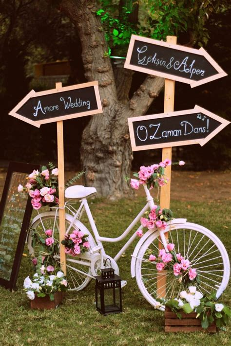 Garden Decoration Bicycle by 17 Best Ideas About Bicycle Decor On Bike