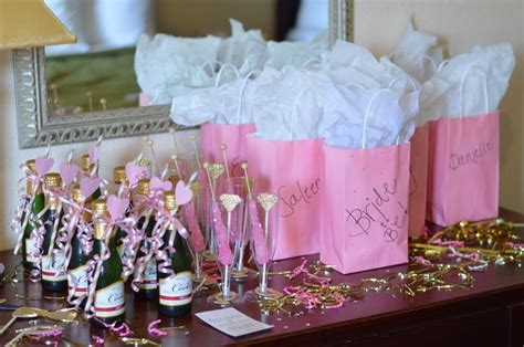 Bachelorette Decoration Ideas by 25 Best Bachelorette Decorations Ideas On