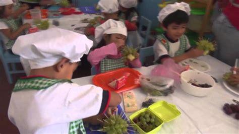 imagenes niños cocinando ni 241 as y ni 241 os cient 237 ficos en el laboratorio de cocina