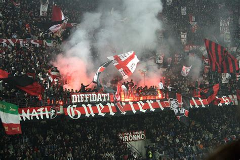 Kaos Acm 1899 a guide to the ultras of serie a ac milan