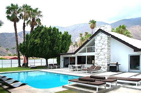 prenota ritiro permesso di soggiorno casa per 8 persone a palm springs 116674