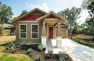 unique craftsman bungalow colors cottage exteriors