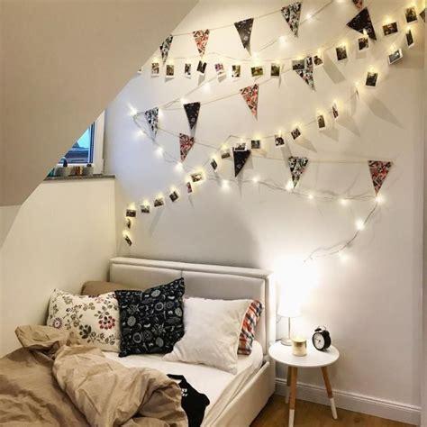 schlafzimmer ideen mit lichterketten grau schlafbereich mit lichterkette und bildern sch 246 n dekoriert