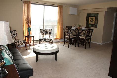 1 bedroom apartments in windsor ontario 737 ouellette ave windsor on walk score