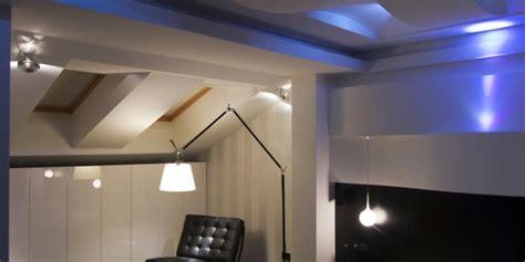 beleuchtung holzdecke installationstipps f 252 r led beleuchtung
