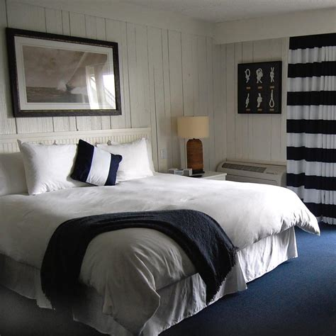 ideas to decorate a bedroom how to decorate guest bedroom 35 photos ward log homes