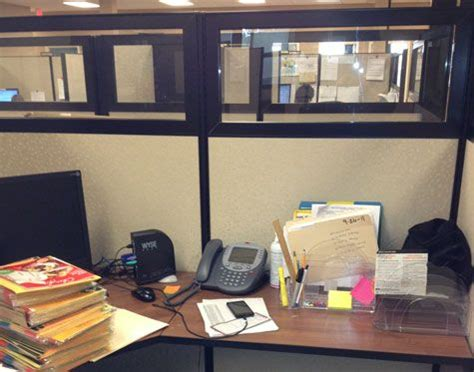 chic cubicle decor on pinterest cubicle makeover cubicle makeover great practical advice here office