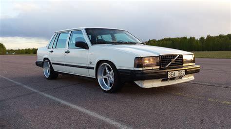 2 Car Garage by 1987 Volvo 740 Gl