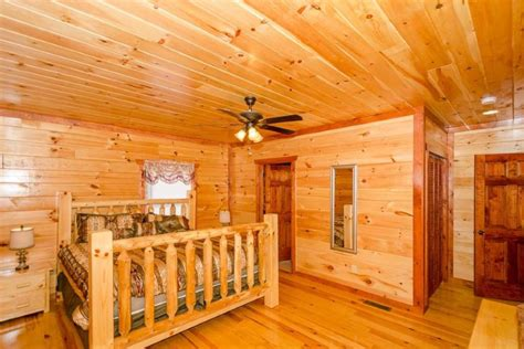 6 bedroom cabins in pigeon forge pigeon forge cabin jennie s cove 6 bedroom sleeps 16