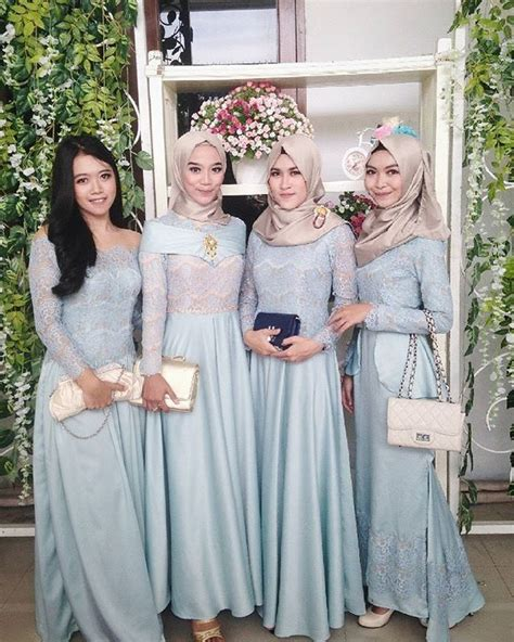 desain long dress remaja 17 best ideas about kebaya brokat on pinterest kebaya