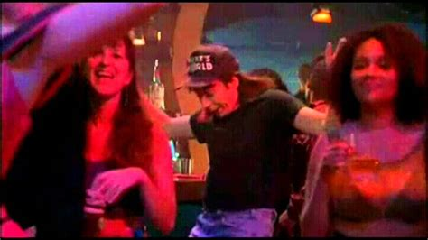 waynes world swing shes a babe schwing waynes world youtube