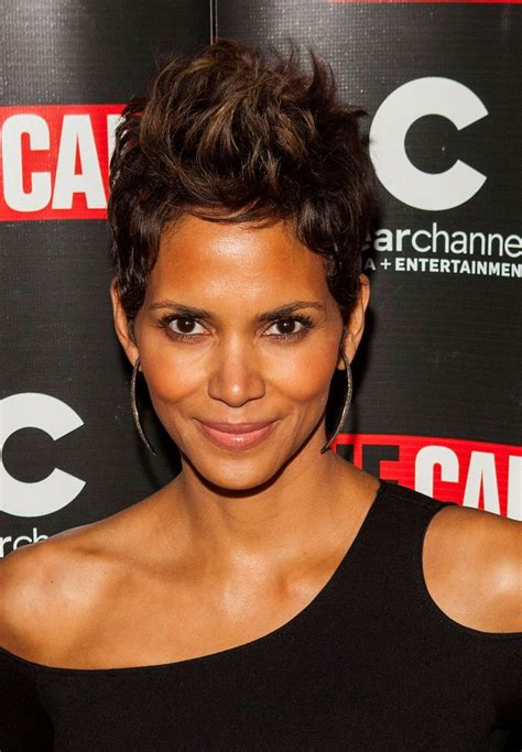 photos of early monica gellar pixie hair style 1000 images about short hair on pinterest pixie