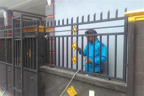 pembuatan pagar besi minimalis  perumahan griya satria