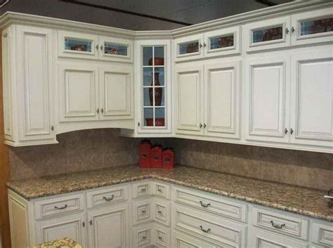 antique white glazed kitchen cabinets 75 best superior antique white kitchen cabinets images on
