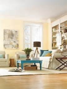 Light Yellow Living Room by Best Ways To Use The Soft Yellow Color Of 2014