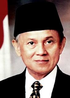 biografi b j habibie beserta strukturnya biodata dan profil lengkap bj habibie quot presiden indonesia