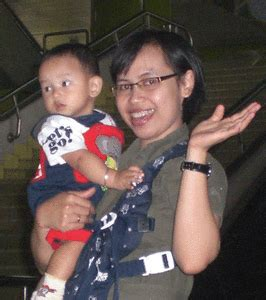 tips naik pesawat bersama bayi aman di pesawat bersama bayi tersenyumlah dan semua
