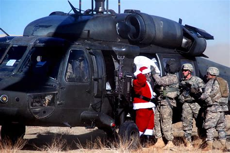 santa claus usa army photos santa s chopper