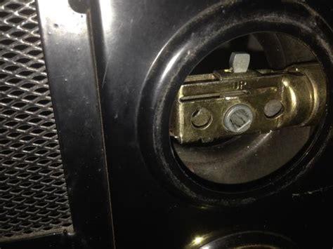 Door Knob Latch Stuck by Stuck Deadbolt In Door Closed Position Doityourself