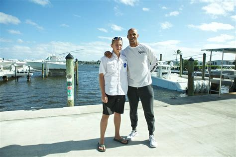 jaclyn baumgarten boatsetter boatsetter and jason taylor partner with make a wish
