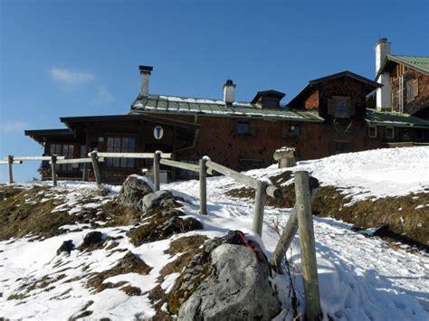 hütte im winter tourenwelt 187 archiv 187 berglauf im kaisertal