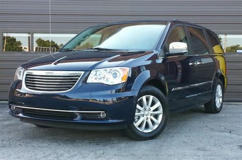 2020 chrysler town and country 2020 chrysler town country lx review review