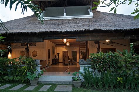 4 bedroom villa robins place luxury villas legian accommodation legian