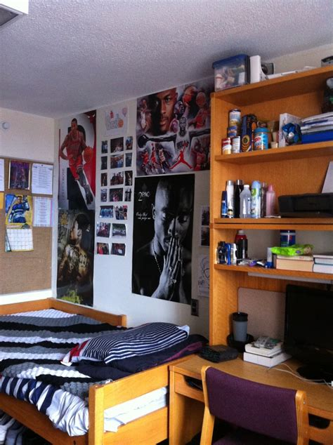 tupac room quot my room family photos d 2pac quot alberto from carman your room photo