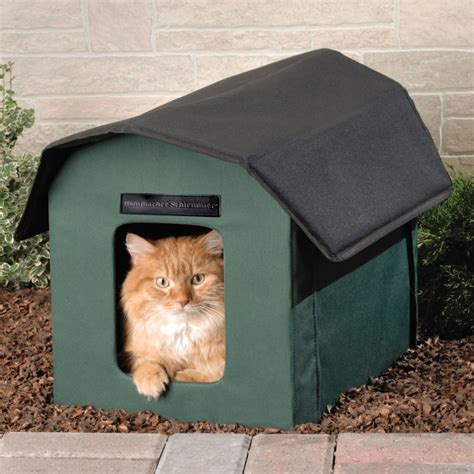 backyard cat the only outdoor heated cat shelter hammacher schlemmer