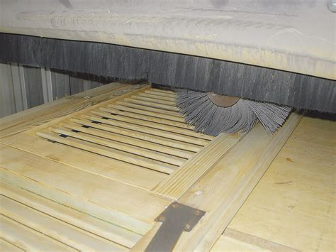 sverniciatura persiane legno sverniciatura legno serramenti infissi mobili simet