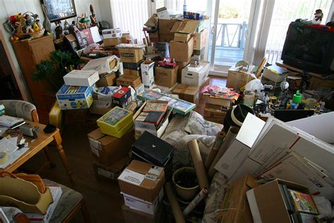cluttered house clear your clutter change your life in 5 minutes a day