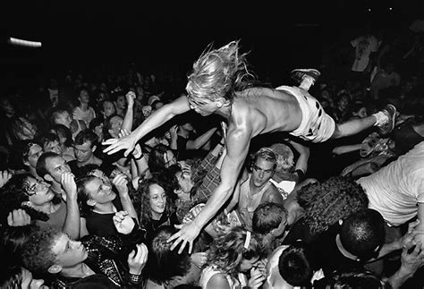 dive nirvana stage dive at a nirvana show seattle 1990 oldschoolcool