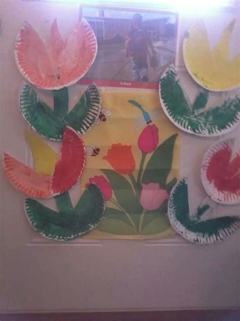 Paper Flower Craft For Preschoolers - paper plate flower craft friends childcare crafts