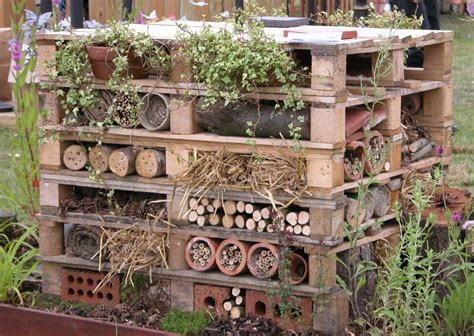 How to make an insect hotel garden furniture land
