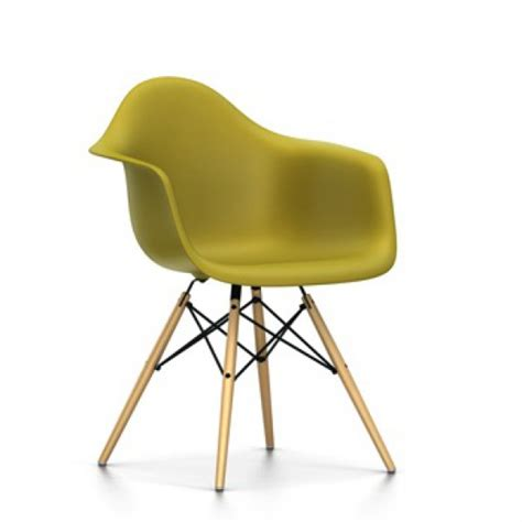 chaise jaune moutarde chaises daw jaune moutarde vitra