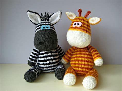 free knitting pattern zebra toy gerry giraffe and ziggy zebra toy knitting patterns from