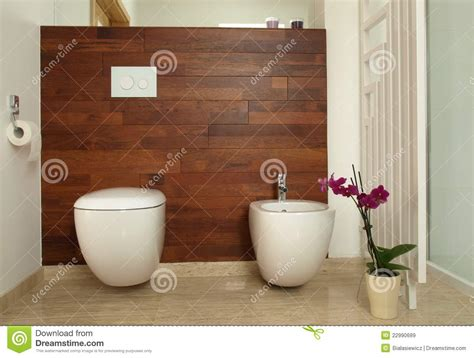 A Quoi Sert Un Bidet Salle De Bain by Trendy Awesome Luxurious Bathroom With Wooden Wall Toilet