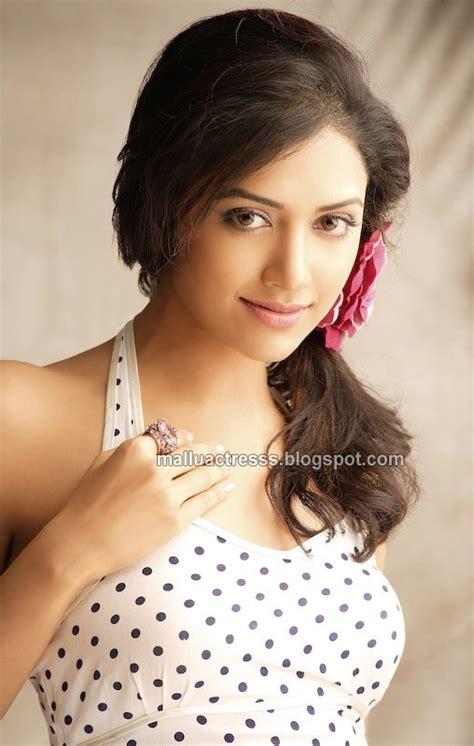actress mamta mohandas malayalam actress mamta mohandas hot photoshoot stills