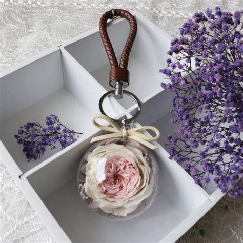 Bloom Box Big Black Preserved Flower preserved flower key chain apollobox