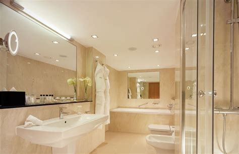 iluminar un piso moderno avanluce iluminacion de ba 241 os de hotel avanluce