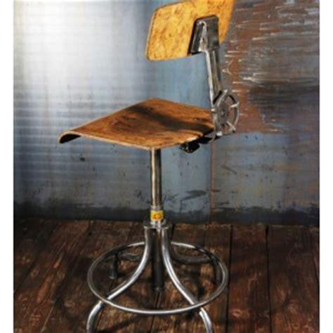 Tabouret D Atelier Ancien by Pin Tabouret Industriel Ancien Assise De Tracteur On