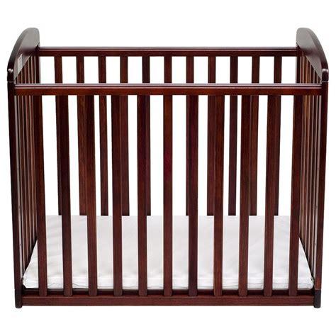 Babies R Us Mini Crib Davinci Alpha Mini Rocking Crib Rich Cherry Cherries Products And Babies
