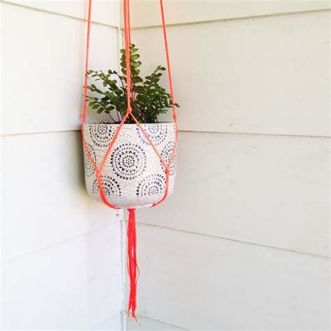 How To Make Macrame Plant Hanger - diy macram 233 pot plant hanger sustainability in style