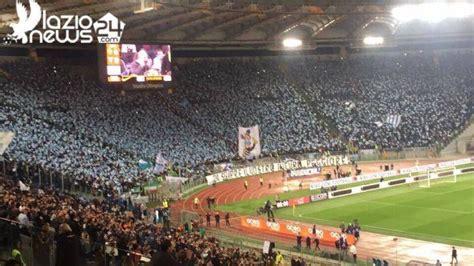 ingresso curva nord stadio olimpico roma roma lazio la spettacolo della curva nord foto lazio