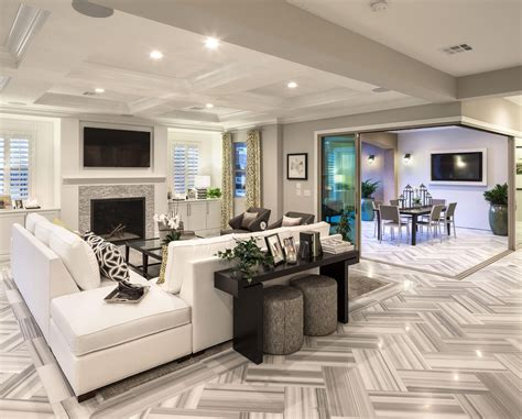 enjoy this exquisitely spacious family room from the los