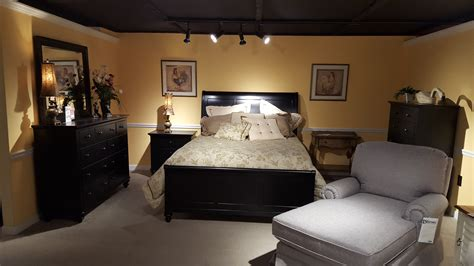 room store bedroom furniture hamilton iii bedroom 441 br furniture store bangor